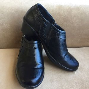 Easy Street Comfort Waves Low Heel Ankle Boots